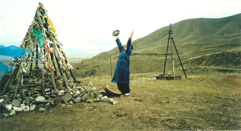 A Primer On Tuvan Throatsinging Feature (w/ MP3 Downloads & Streams)